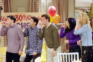"""385848 28: Cast members of NBC's comedy series """"Friends."""" Pictured (l to r): Matt LeBlanc as Joey Tribbiani, David Schwimmer as Ross Geller, Matthew Perry as Chandler Bing, Courteney Cox as Monica Geller and Lisa Kudrow as Phoebe Buffay. Episode: """"The One Where They All Turn Thirty."""" (Photo by Warner Bros. Television)"""